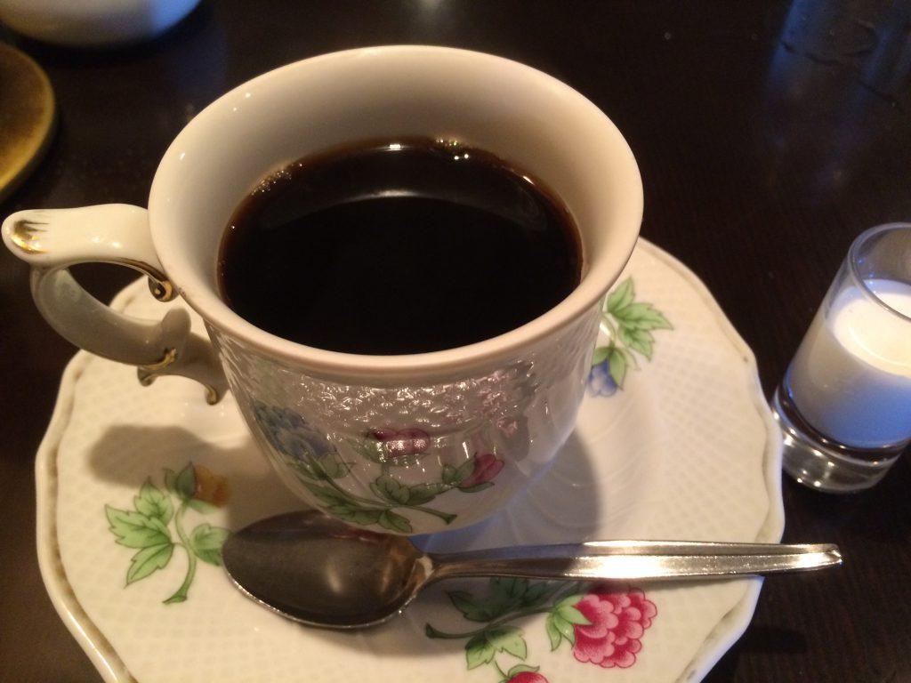 さすがのコーヒー。器も素敵です。