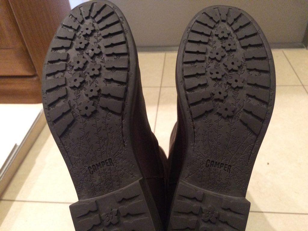 靴の底もきれい。すごいなー。