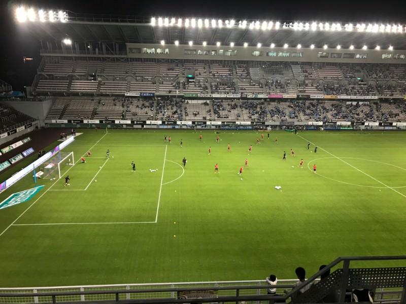 練習中のサッカーグラウンド