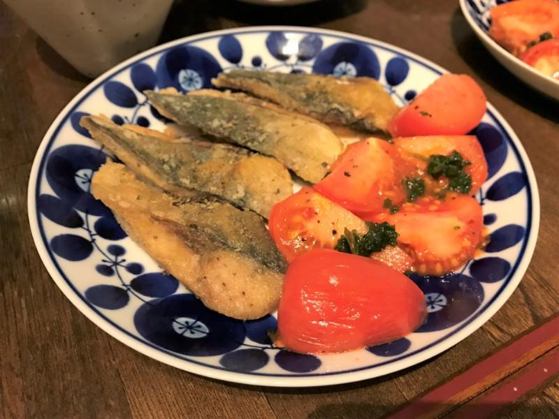 写真:鯖の竜田揚げとトマトのソテー