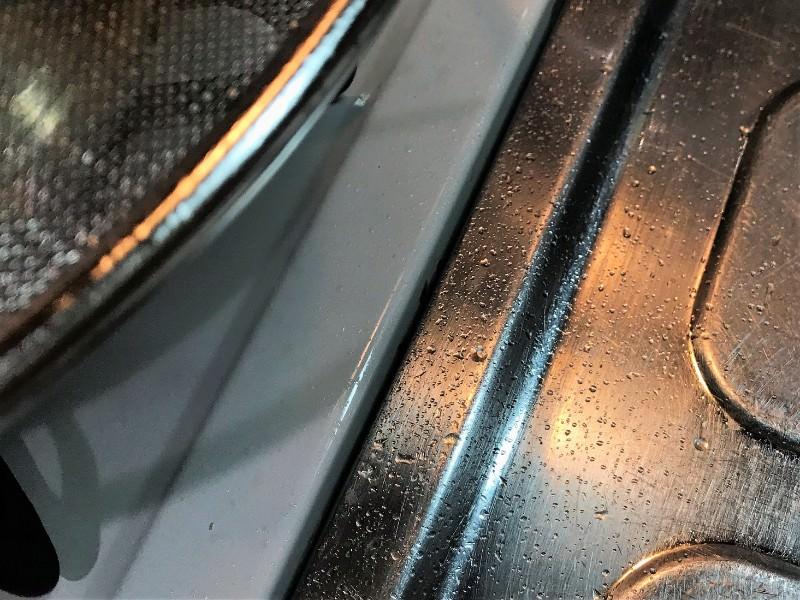 写真:ニトリ 油はね防止ネットを使った調理