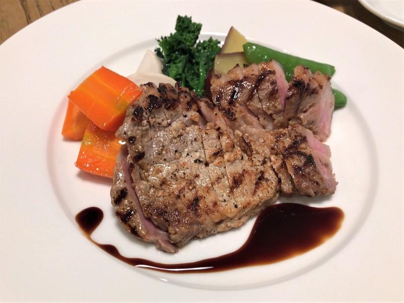 写真:糸島のレストラン noda 糸島豚のグリル