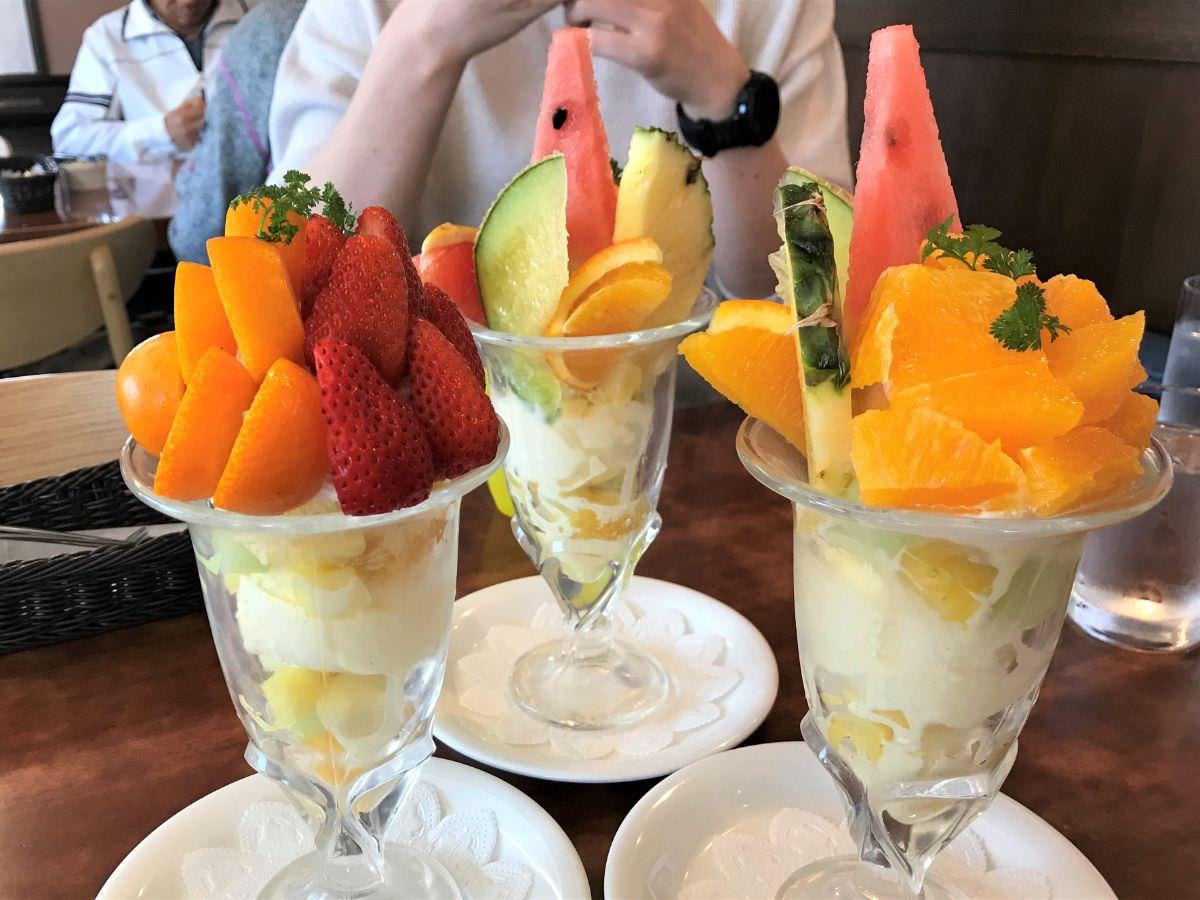 写真:佐賀 新SUN 3つのフルーツパフェ勢ぞろい