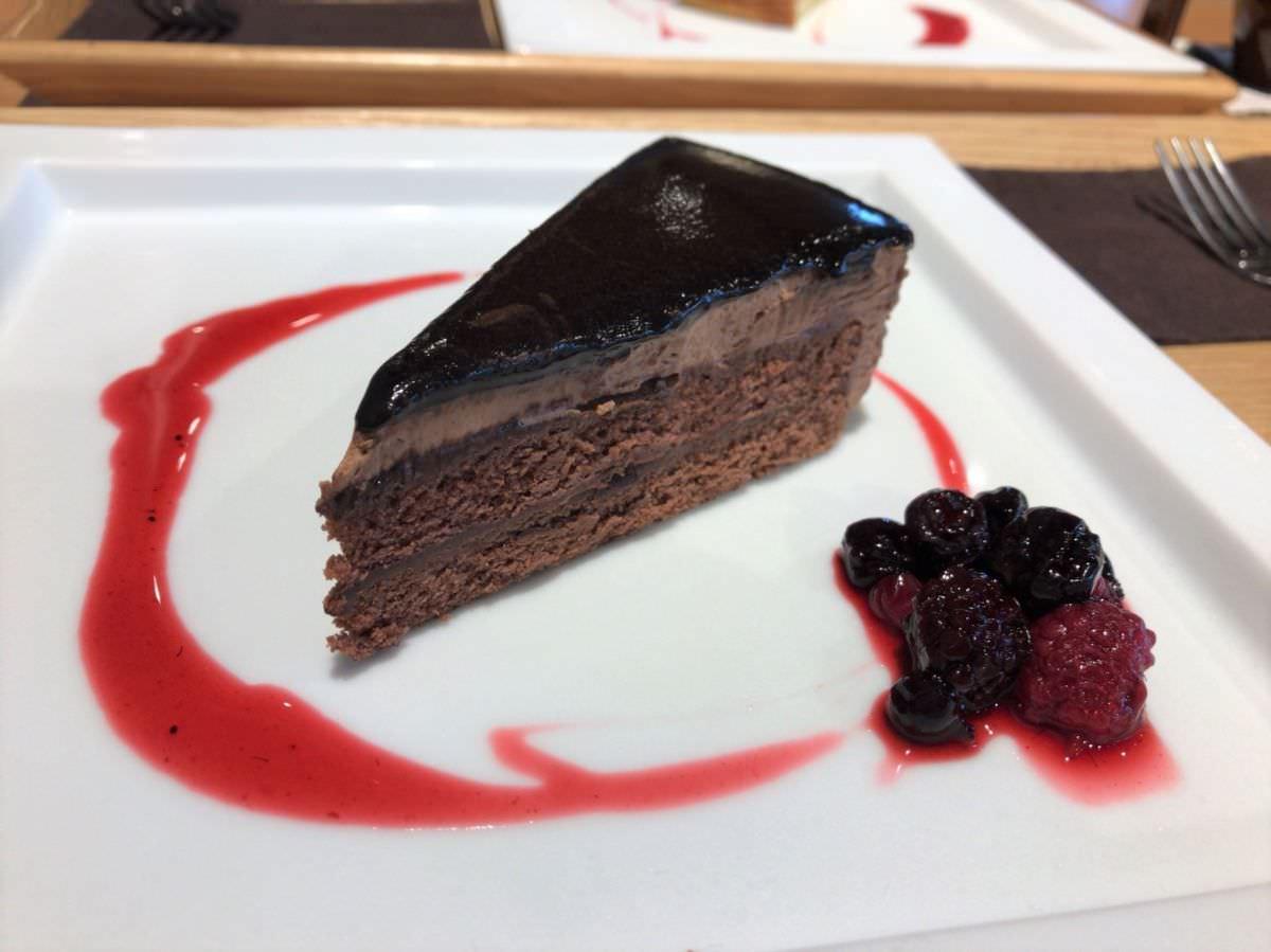 写真:Cafe Rund チョコケーキ