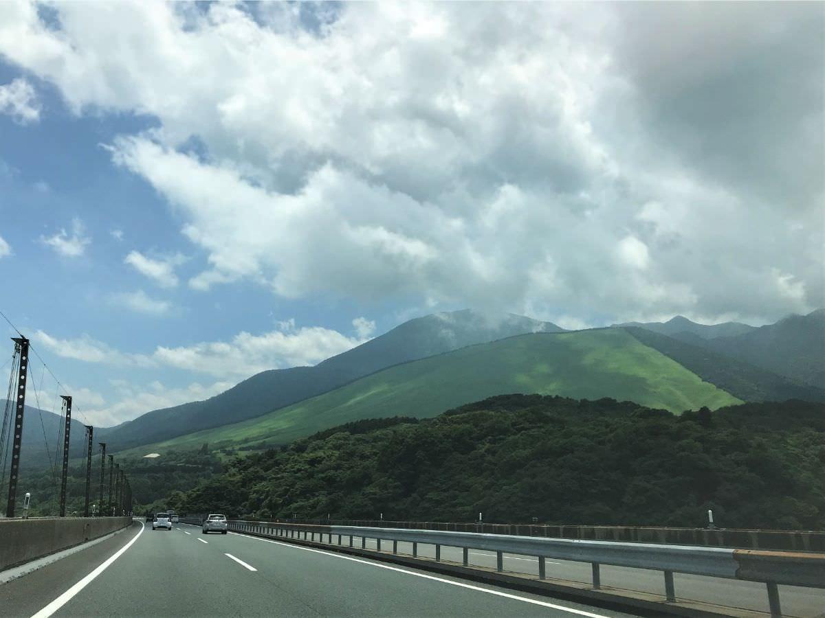 写真:大分の山の景色