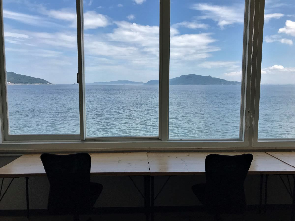 写真:SALTの窓際の席からの風景