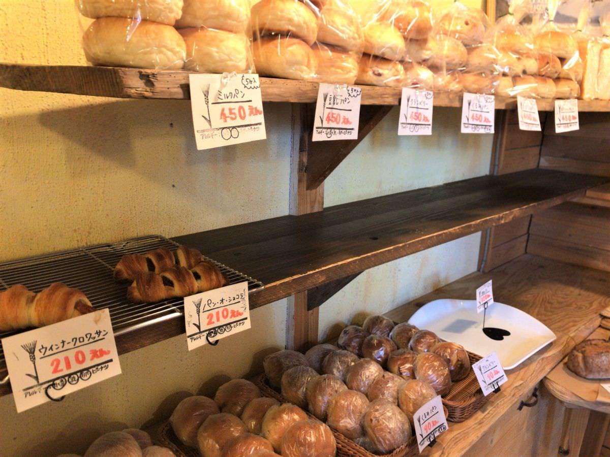 写真:ヒッポー製パン所 店内の様子