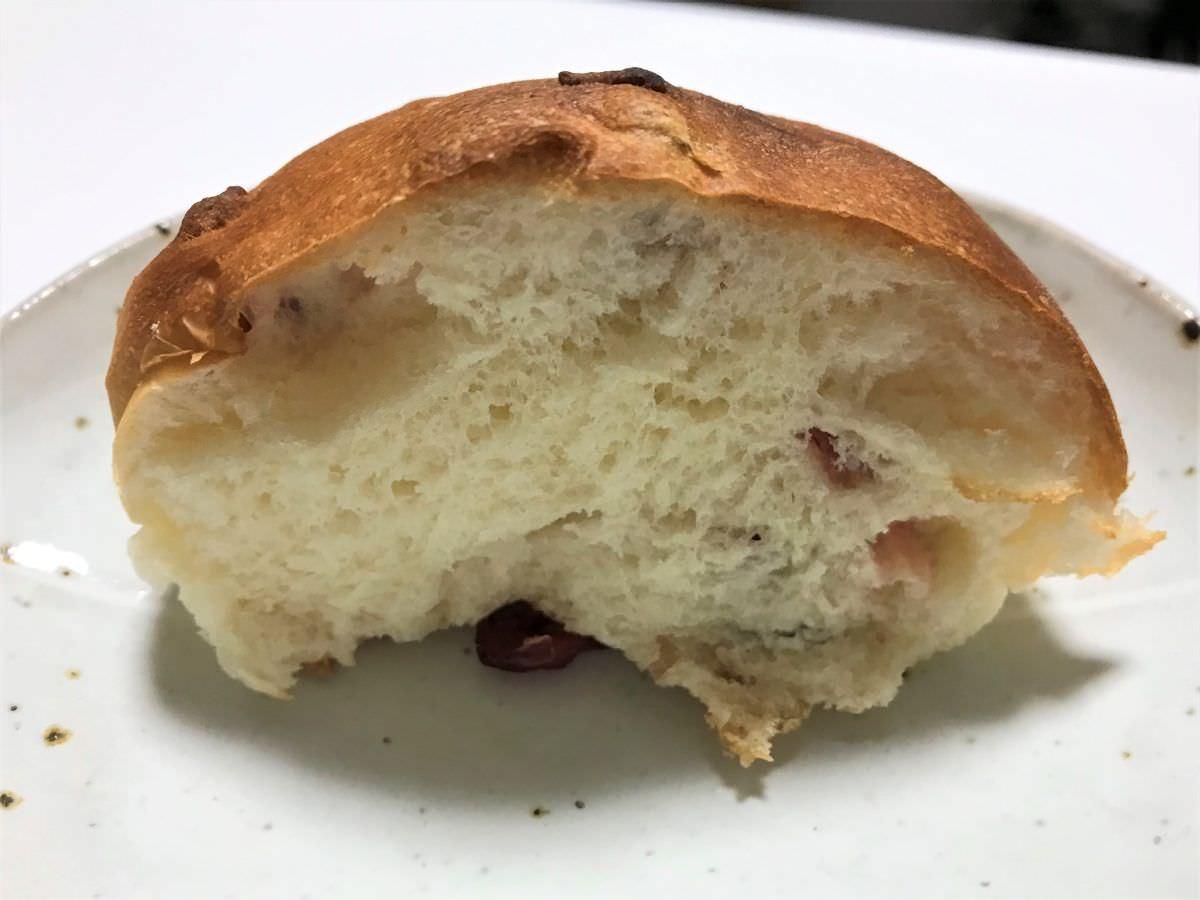 写真:ヒッポー製パン所 外クランベリーパン