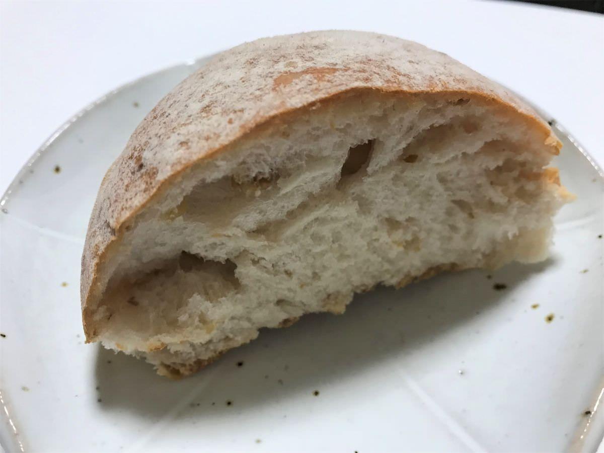 写真:ヒッポー製パン所 クルミパン