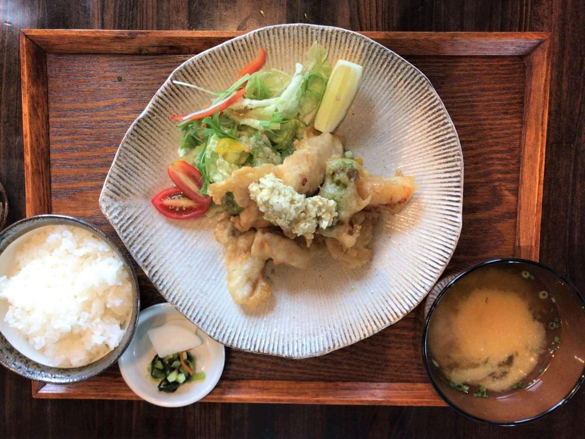 写真:福岡糸島 はれるや 魚南蛮定食