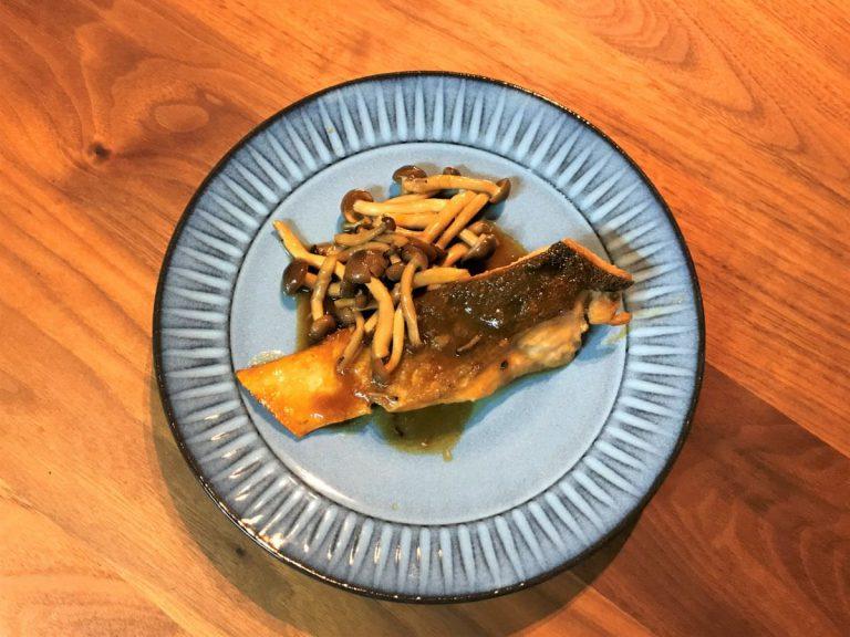 写真:鮭のガリバタ照り焼き