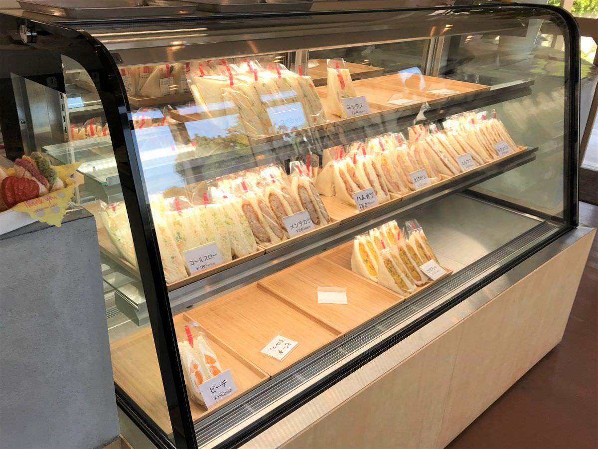写真:福岡 糸島 サンドーレ 店内のショーケース