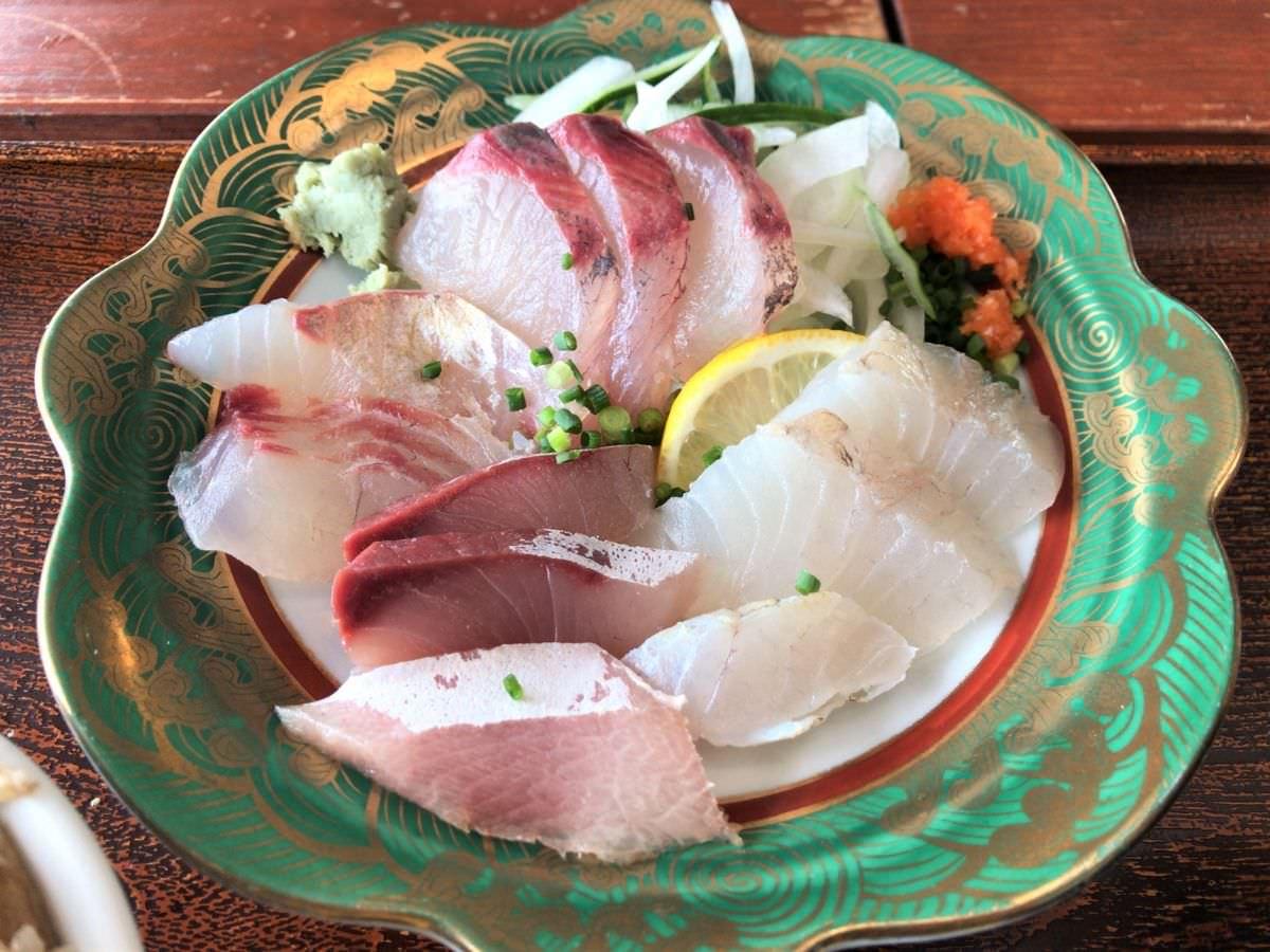 写真:福岡糸島 波呂兵衛 刺身定食のお刺身4種