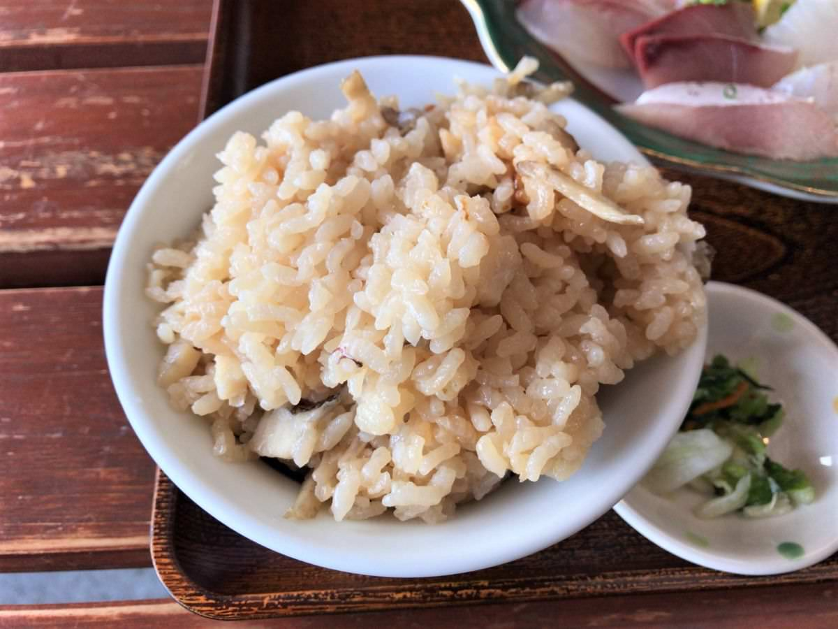 写真:福岡糸島 波呂兵衛 定食の鯛の炊き込みご飯
