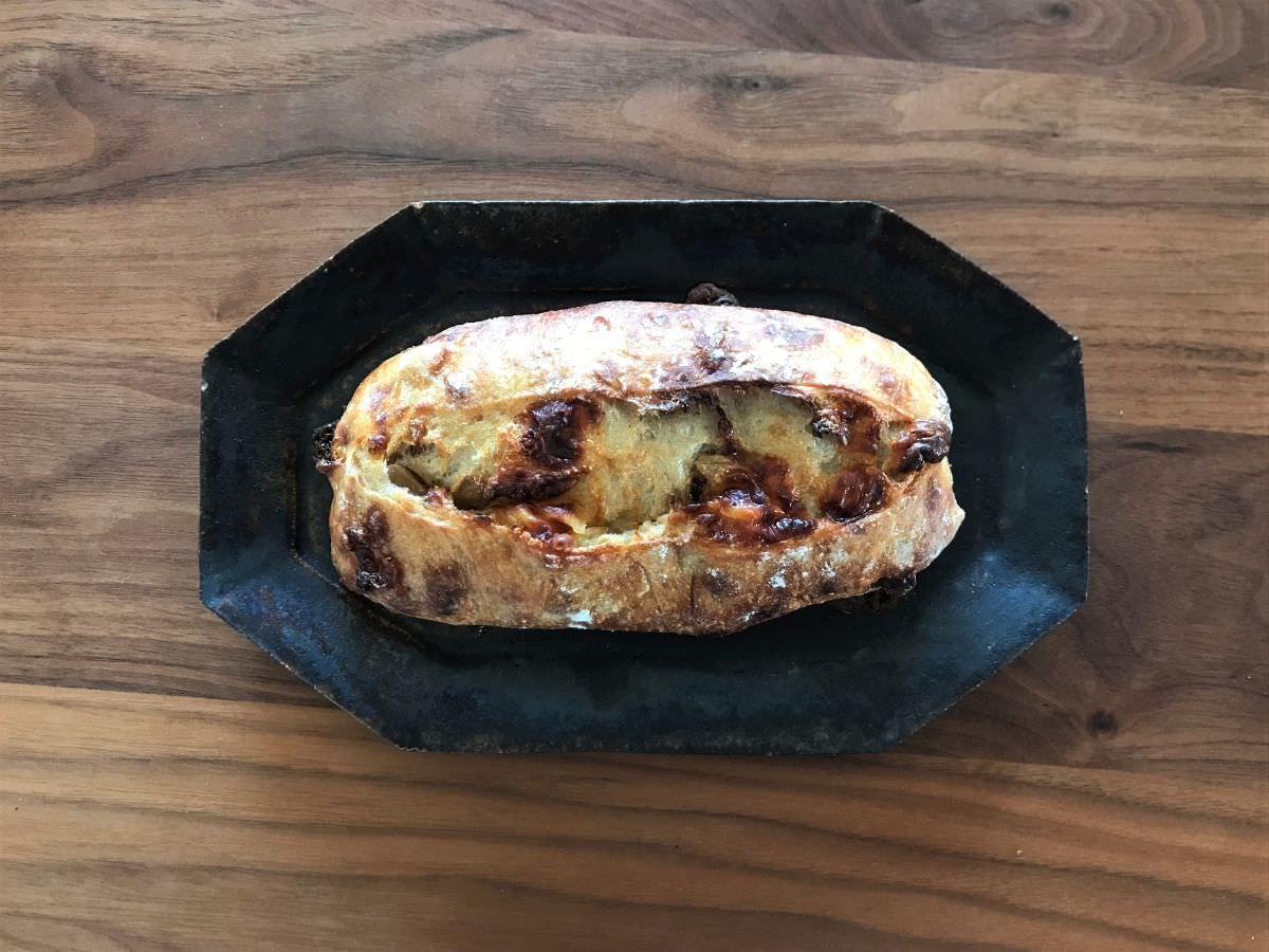 写真:福岡市西区 コンティニュー ジャガイモとチーズのパン