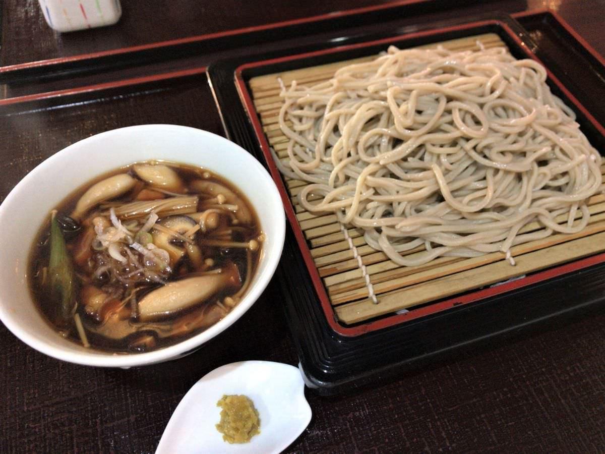 写真:福岡糸島 そば処山崎 キノコと鶏のつけそば