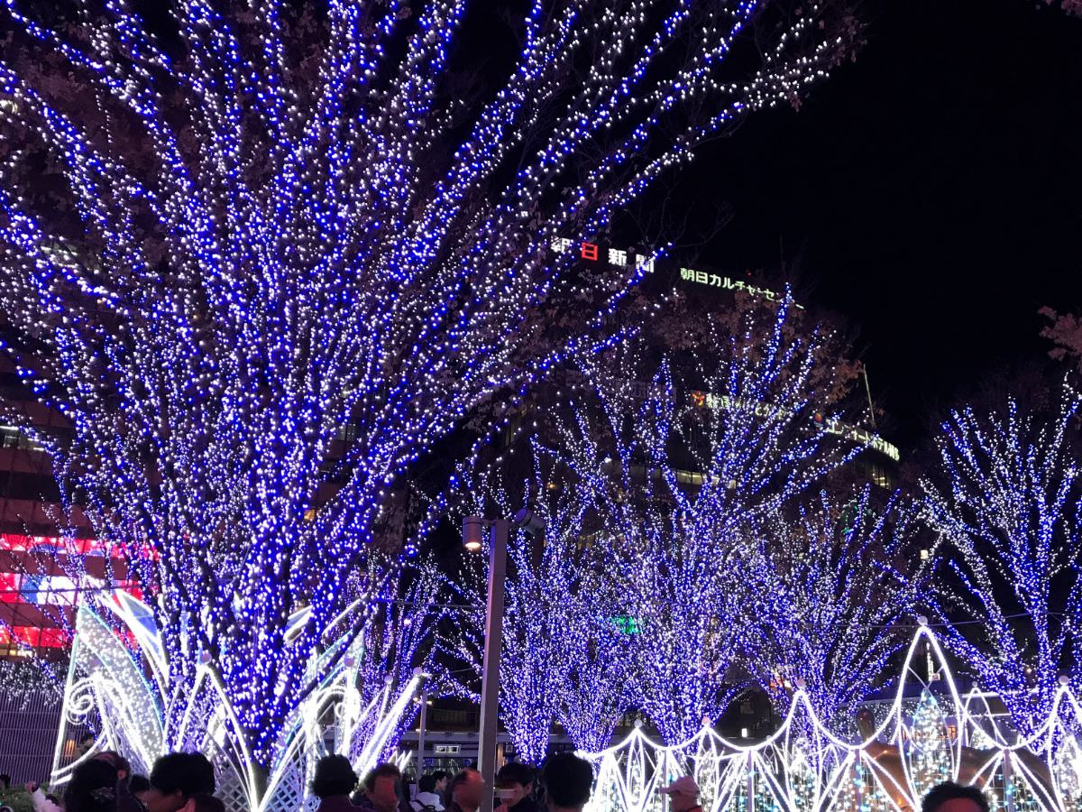 写真:福岡クリスマスマーケットin博多 イルミネーション