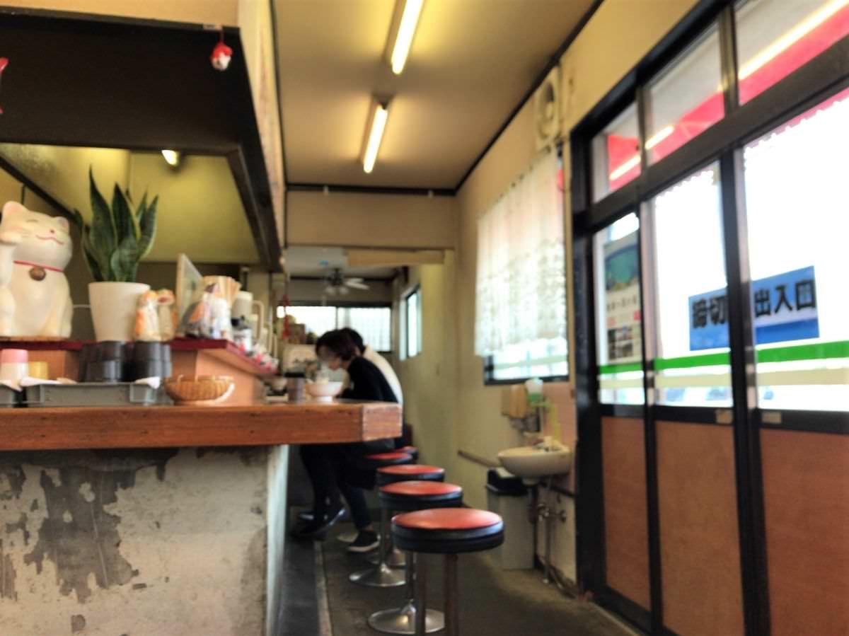 写真:福岡糸島 安全ラーメンの店内