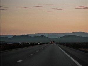 写真:高速道路イメージ