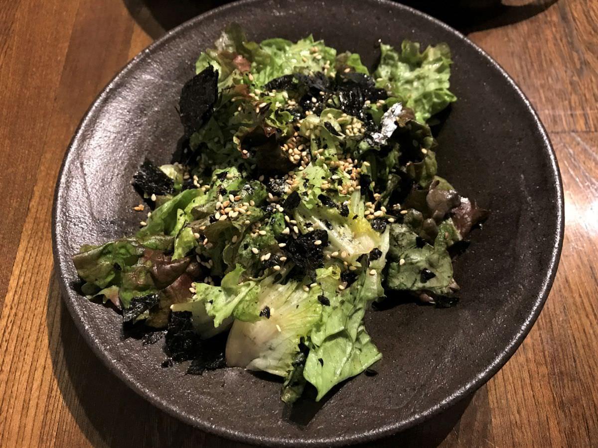 写真:サニーレタスと海苔のサラダ
