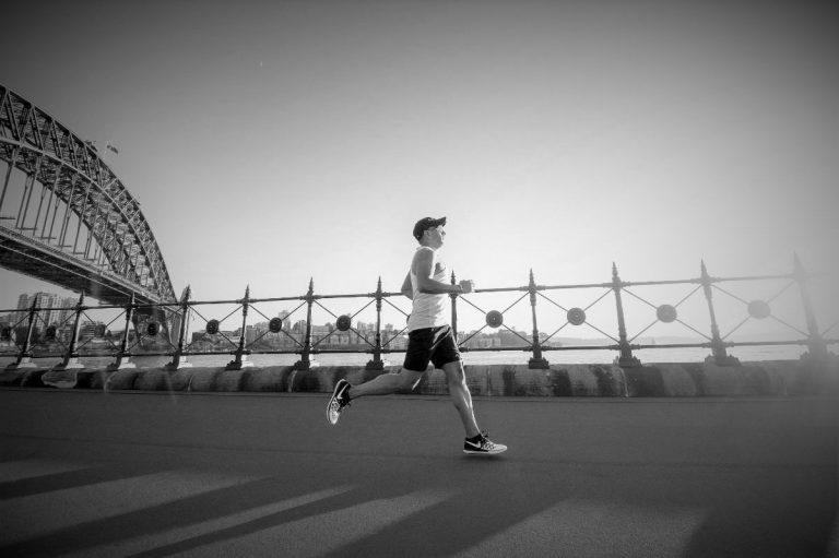 写真:がっかりジョギングのイメージ