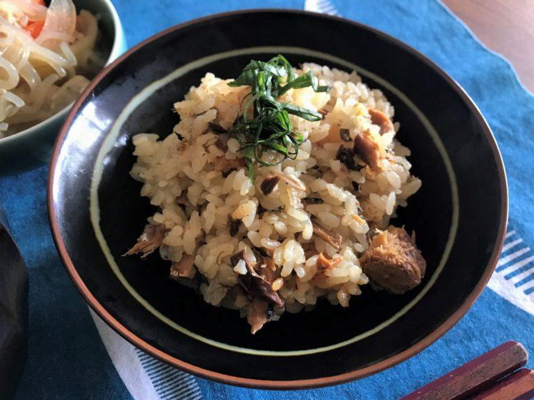 写真:サバ味噌煮缶の炊き込みご飯