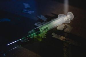 写真:注射器イメージ