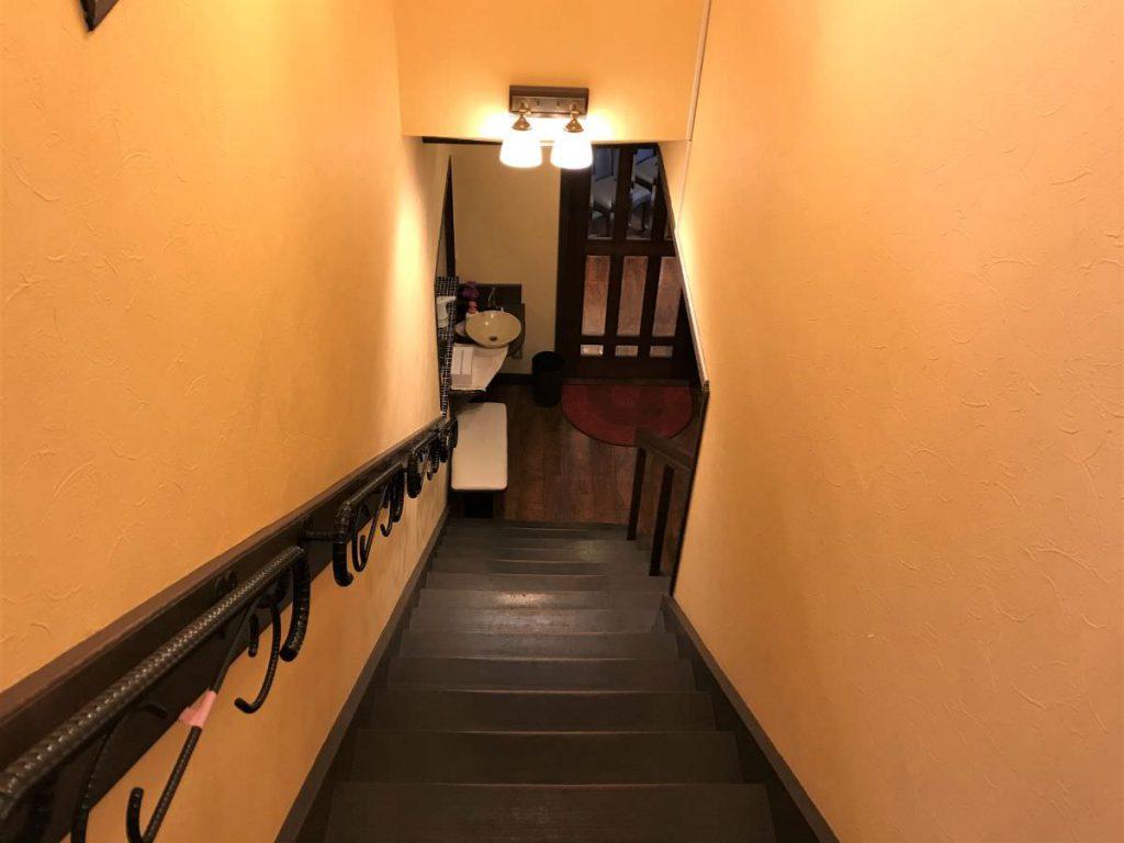 写真:大分由布院 レストラン洋灯舎の入り口階段