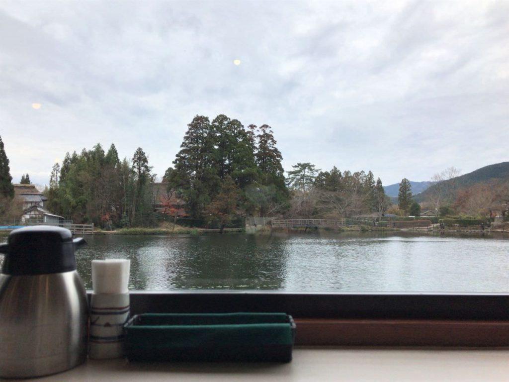 写真:大分由布院 レストラン洋灯舎のカウンター席からの眺め