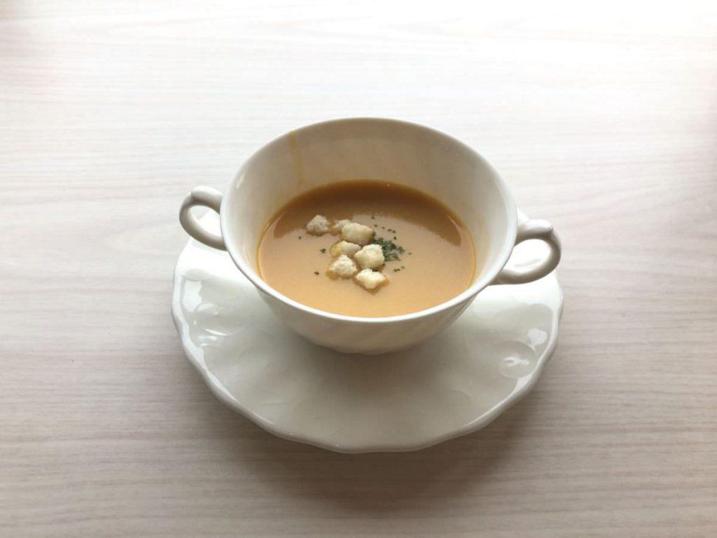 写真:大分由布院 レストラン洋灯舎のランチセットのスープ