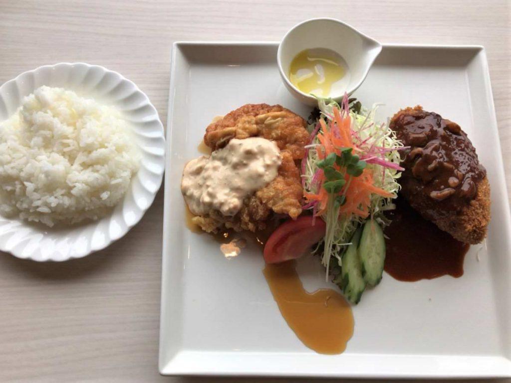 写真:大分由布院 レストラン洋灯舎 メンチカツとチキン南蛮のランチセット
