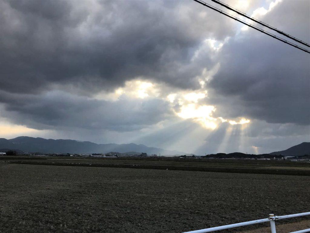 写真:福岡糸島・冬のジョギングコースの夕暮れ