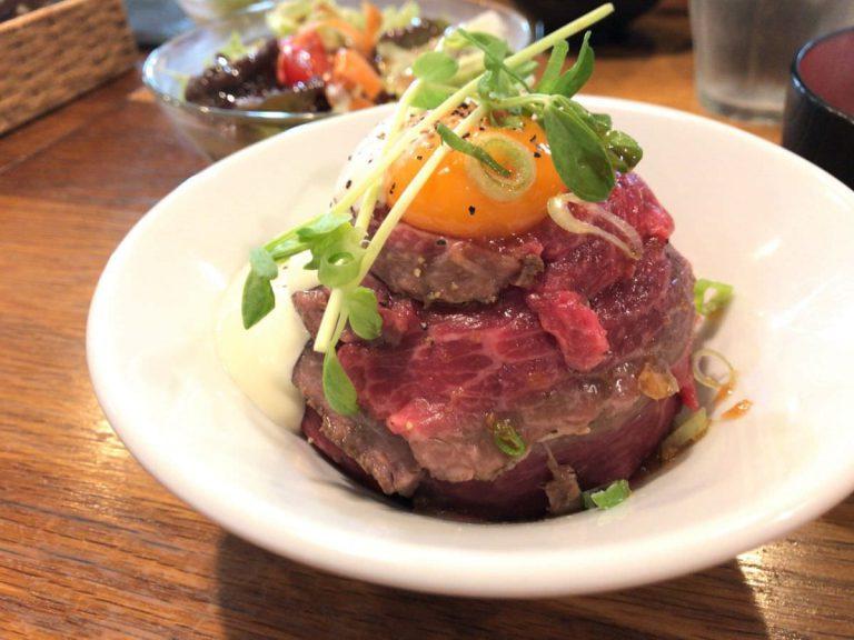 写真:福岡糸島 肉×肉MAKOTO ローストビーフ丼