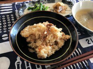 写真:ウニ炊き込みご飯