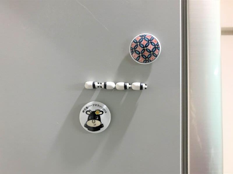 写真:冷蔵庫のマグネットで記憶補助する