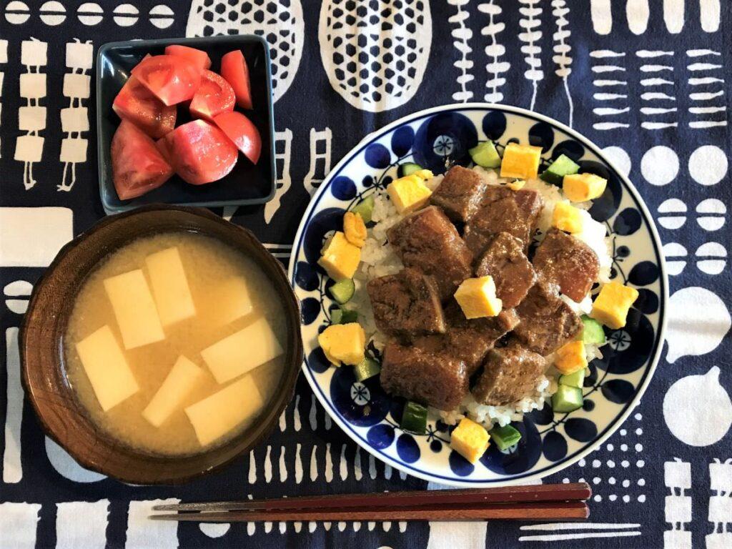 写真:ごまブリ丼ちらし寿司風
