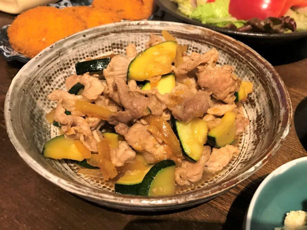写真:豚肉とズッキーニのマーマレード炒め