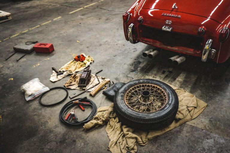 写真:車の整備イメージ