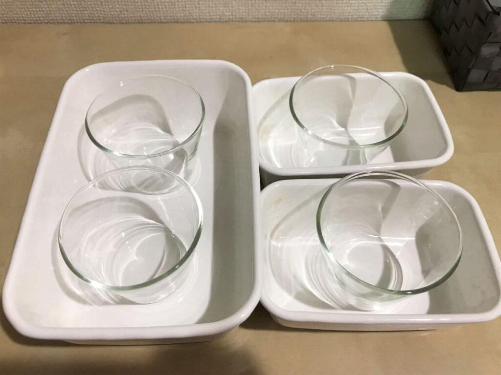 写真:野田琺瑯タッパーにプリンカップが入るかテスト