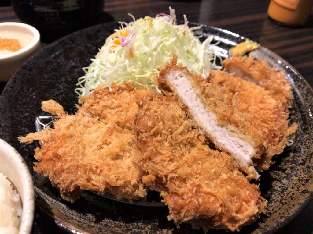 写真:熊本 勝烈亭 ロースとヒレカツ定食