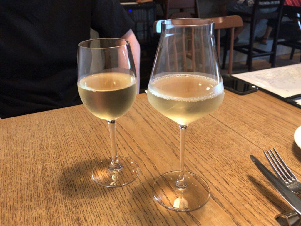 写真:福岡糸島 noda 白ワインをグラスで飲みます